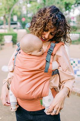 porte bébé boba, j'opte pour un portage physiologique qui répond au confort de mon bébé