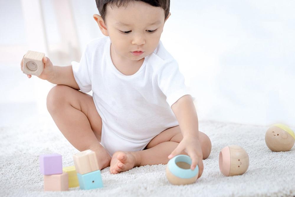Quels jeux sensoriels choisir ? 4 pistes à explorer